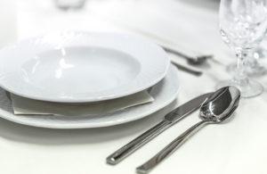 テーブルマナーの基本を知り、 自信をもって堂々とすることが大切!